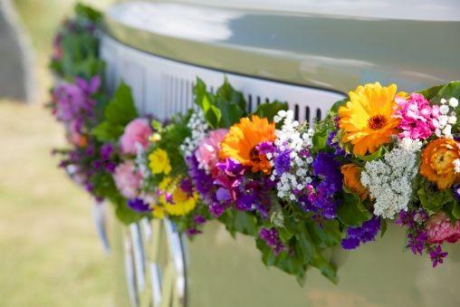 Beautiful bold colours for your #wedding flower arrangement x