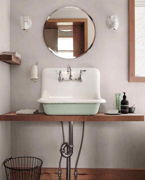 Vintage Bad mit rundem Spiegel | Runde Spiegel | Pinterest | Runde ...