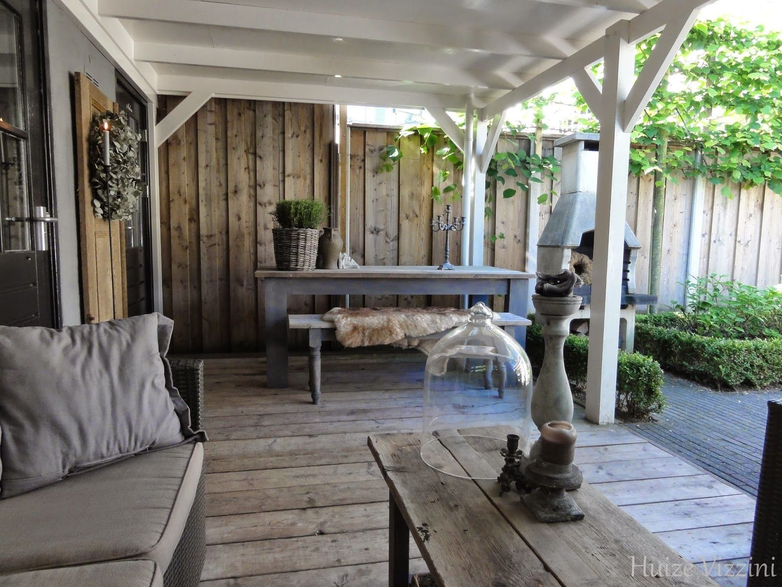 leuke sfeer!! combi steigerhout / wit hout mooi glas raam/deur aan ...