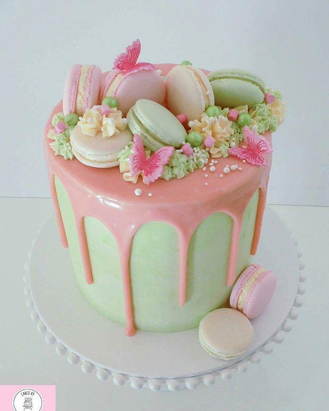 cake with macarons dripping cake pinterest torten kuchen und backen. Black Bedroom Furniture Sets. Home Design Ideas