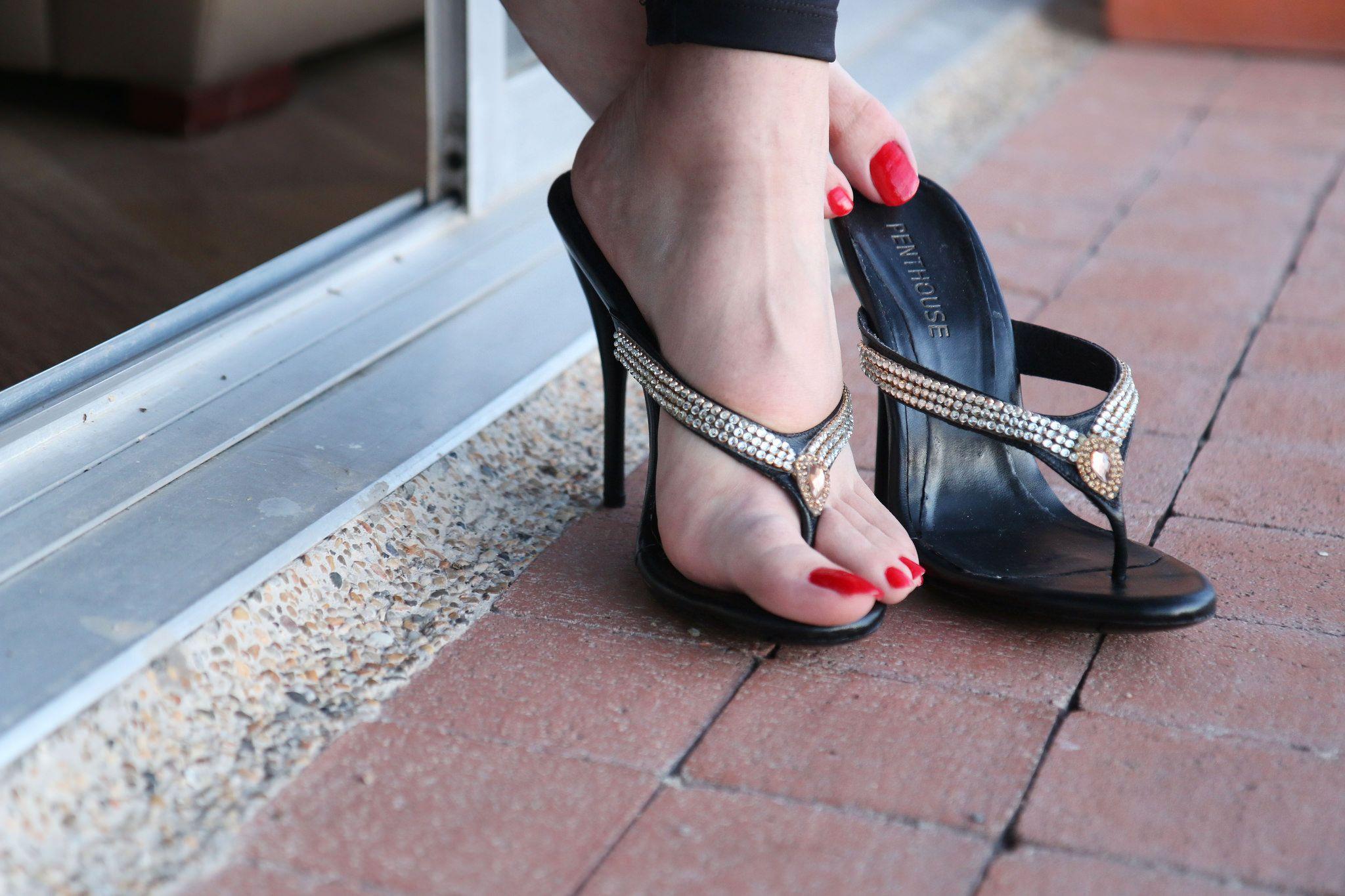 Women Wearing High Heels Cheap Online