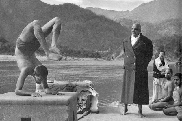 Sivananda teaching Hatha yoga in 1960. It appears to be demonstrated by  Devananda, | Sivananda, Sivananda yoga, Yoga