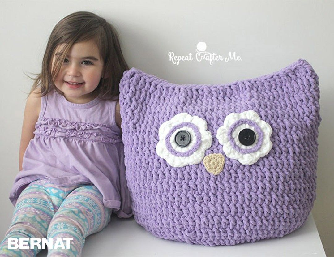 Oversized owl pillow by sarah zimmerman free crochet pattern oversized owl pillow by sarah zimmerman free crochet pattern yarnspirations bankloansurffo Image collections