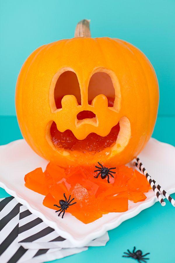Pumpkin jello shots http://asubtlerevelry.com/pumpkin-jello-shots