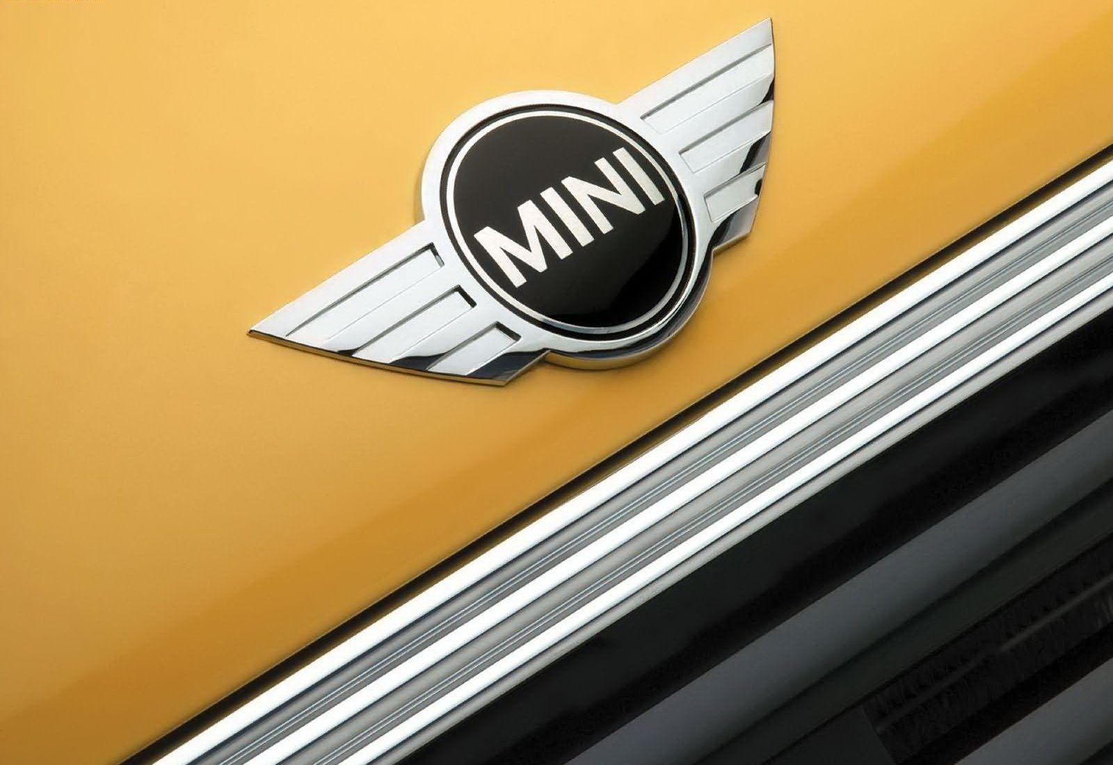Mini Cooper Logo Mini Car Symbol Meaning And History Car Brand Names Com Mini Cooper Mini Mini Cars