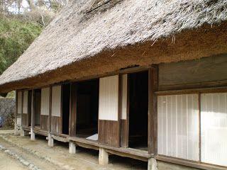 Altes japanisches Haus von außen. Freilichtmuseum Minka-En