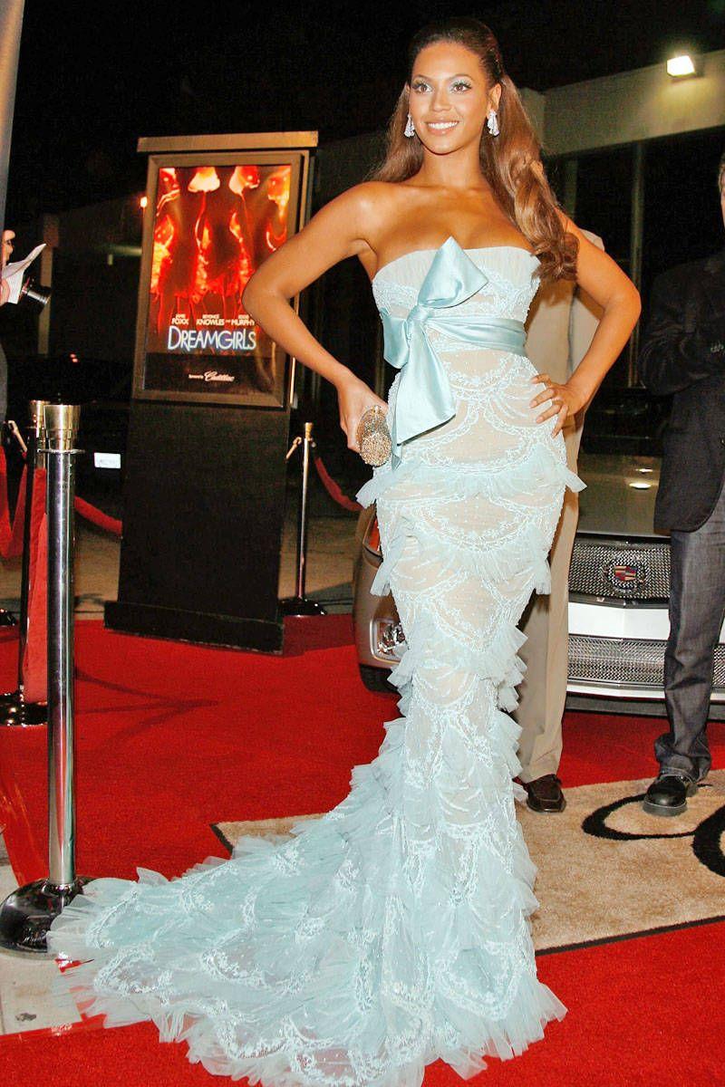 In Elie Saab to the premiere of Dreamgirls. - ELLE.com Beyonce Vestidos 323df6d75be2