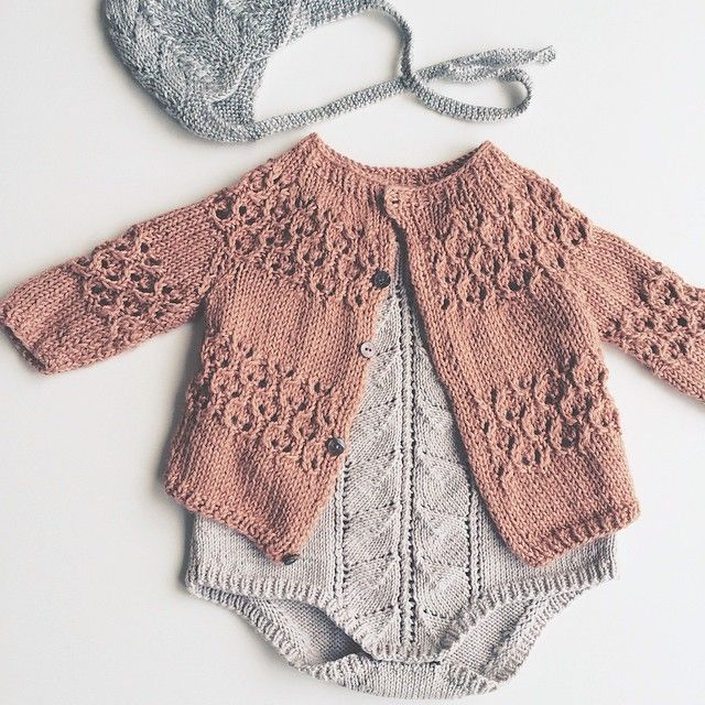 Knitted Baby Clothes With Colorful Varieties Fashion