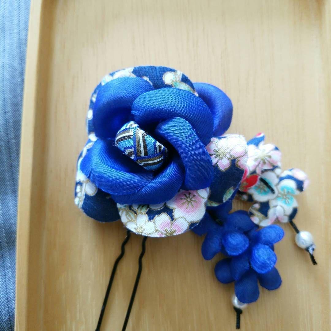 プレゼント企畫 加賀ゆびぬきヘアピン 青 青い和風の花の花心にミニサイズのゆびぬきをあしらいました ...