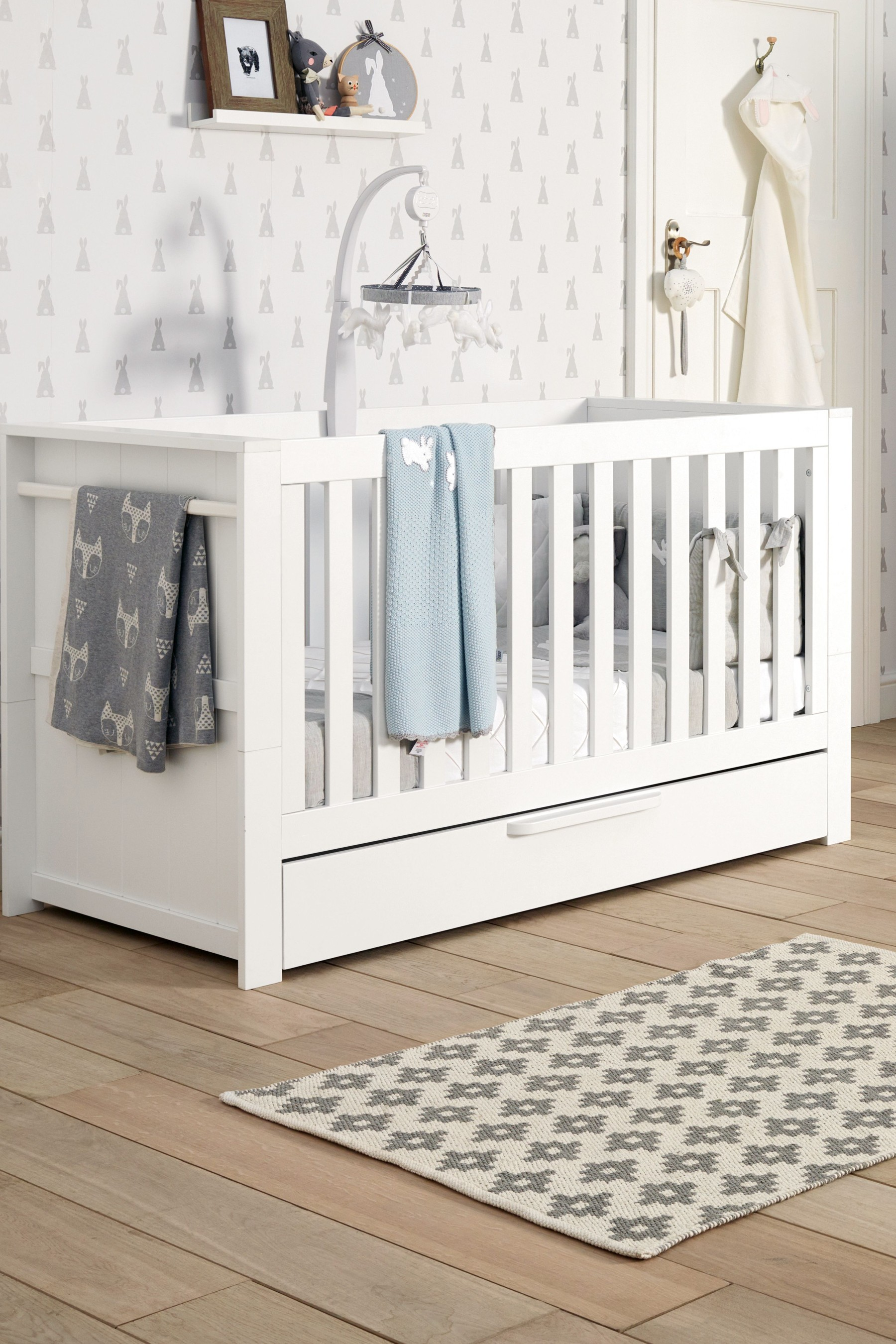 Mamas Papas Franklin Cot Bed White Baby Cot Bedding White