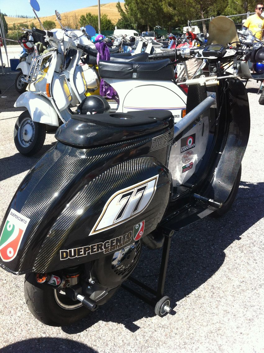 """4° GP Scooter Party Hotwells Siena Italy  Total carbon fiber small frame Vespa """"2%"""""""