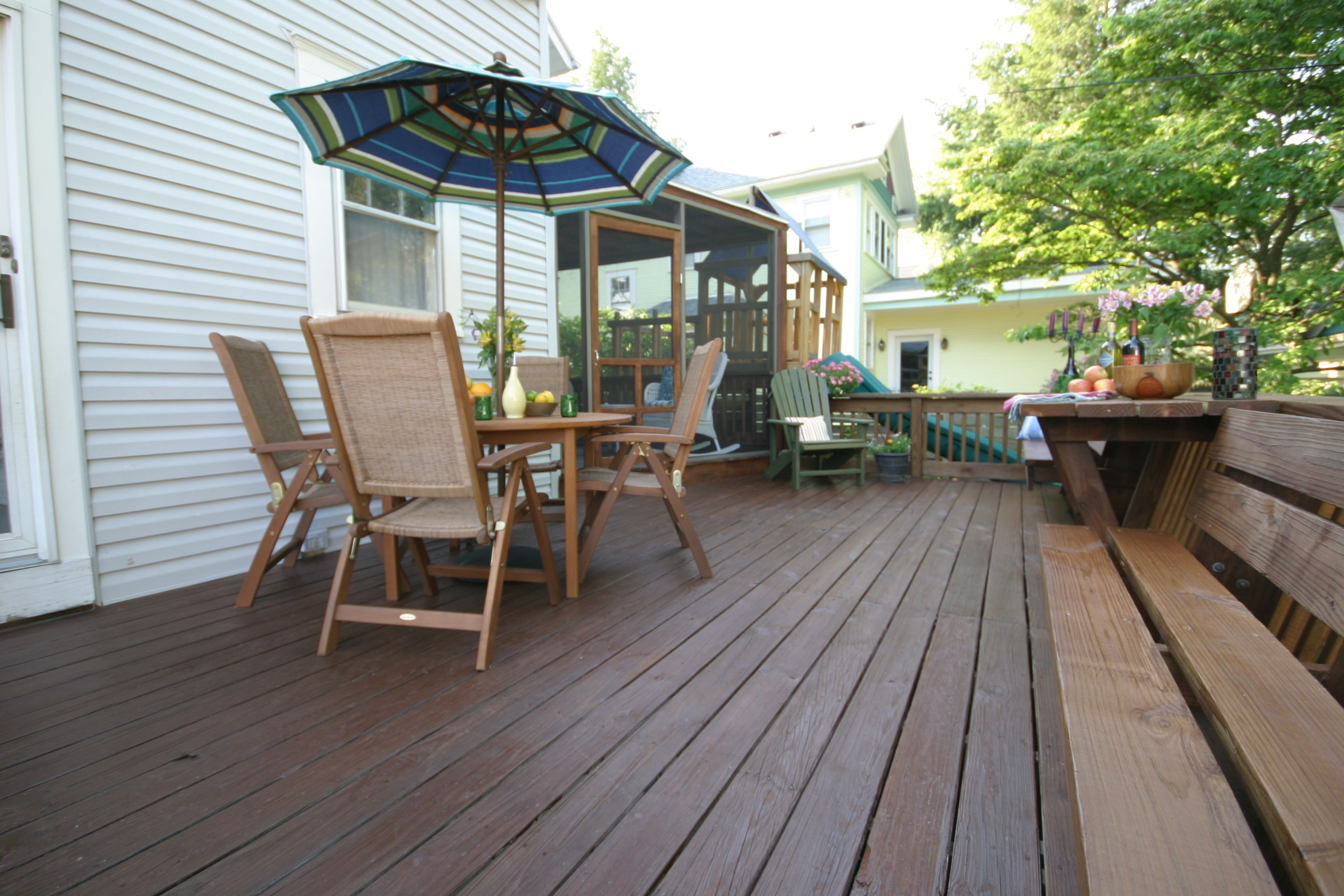 This Deck Is Protected With Thompson S Water Seal Advanced Tinted Wood Protector In Sheer Nutmeg Brown House Styles House Exterior Thompsons
