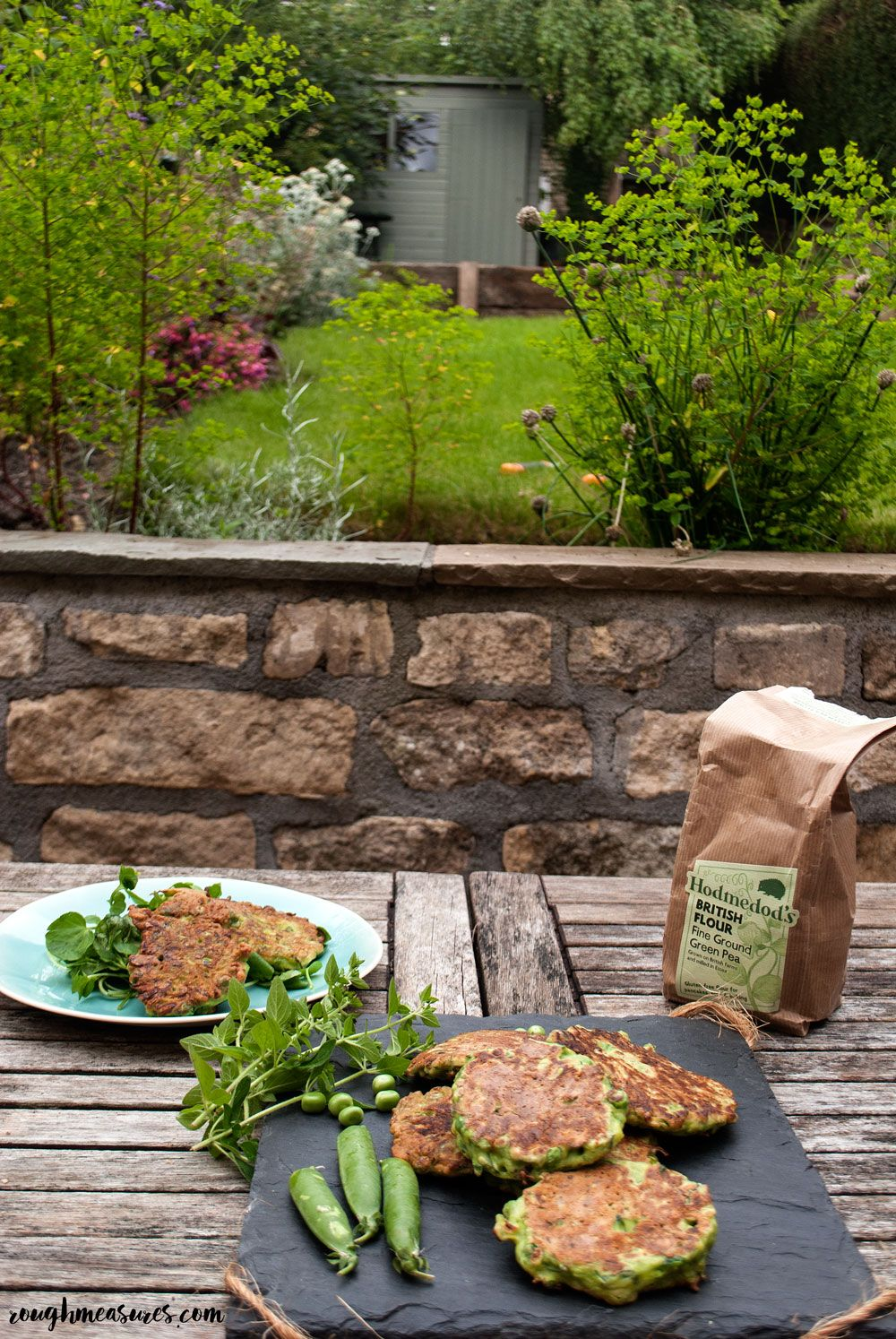 Courgette, Pea and Mint Fritters with Hodmedod's pea flour // roughmeasures.com