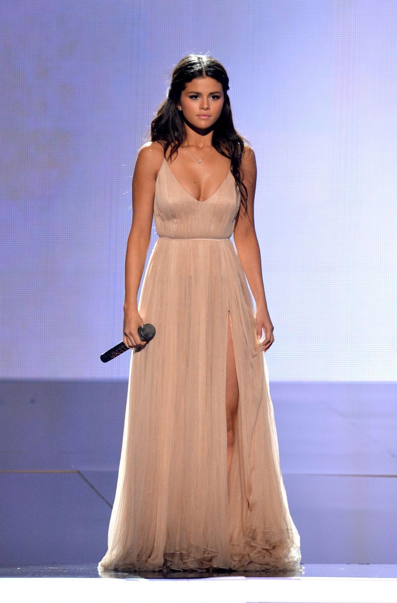 Selena gomez champagne evening prom dress american music awards