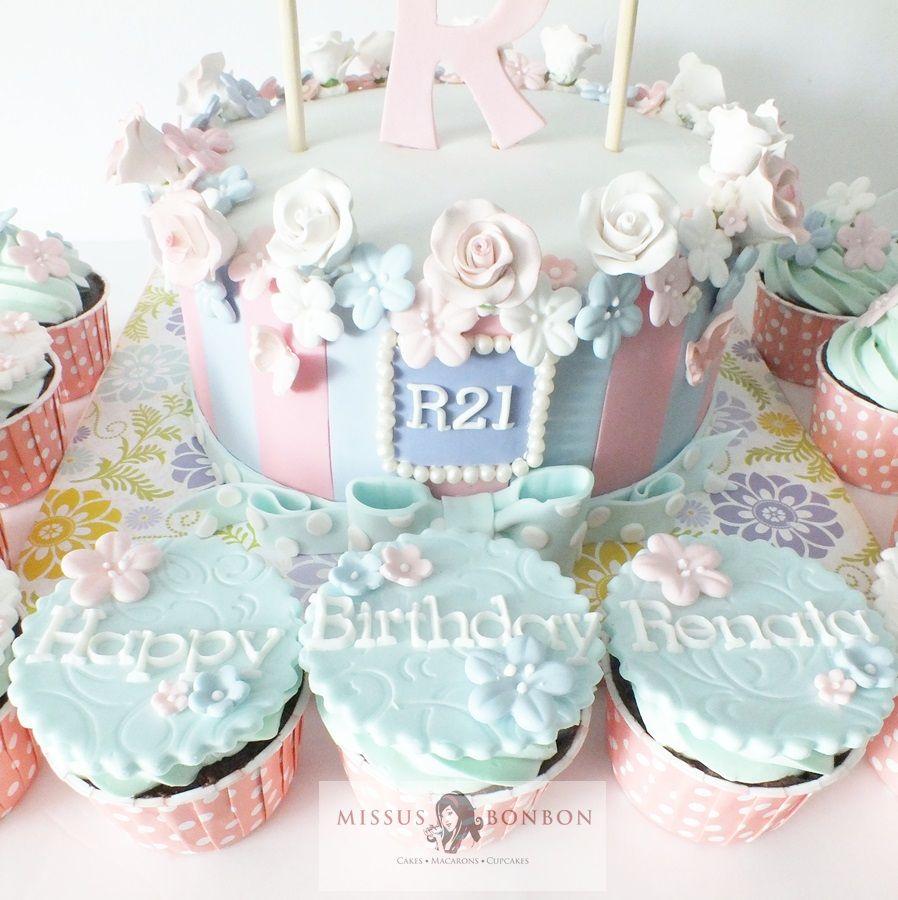 We Simply Loved The Sweet And Beautiful Design That Renata Chose For