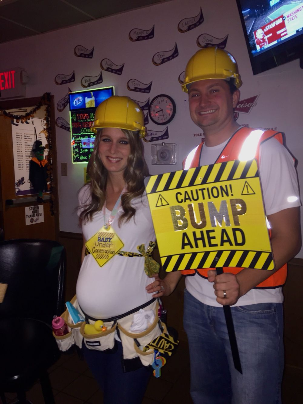 Funny Halloween Costumes For Pregnant Couples.Pregnant Construction Worker Couples Halloween Costume Halloween