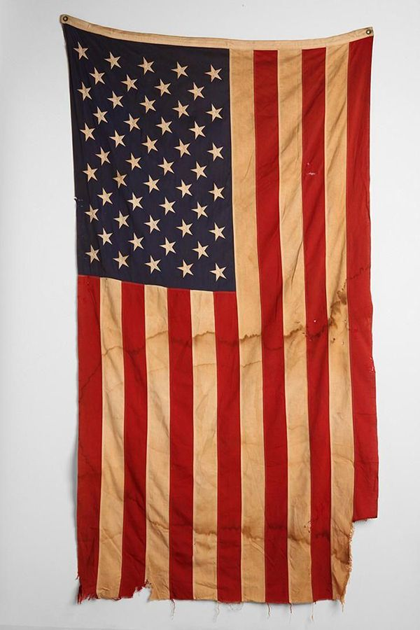 Us Flag Etiquette When Hanging On Wall Vertically Google