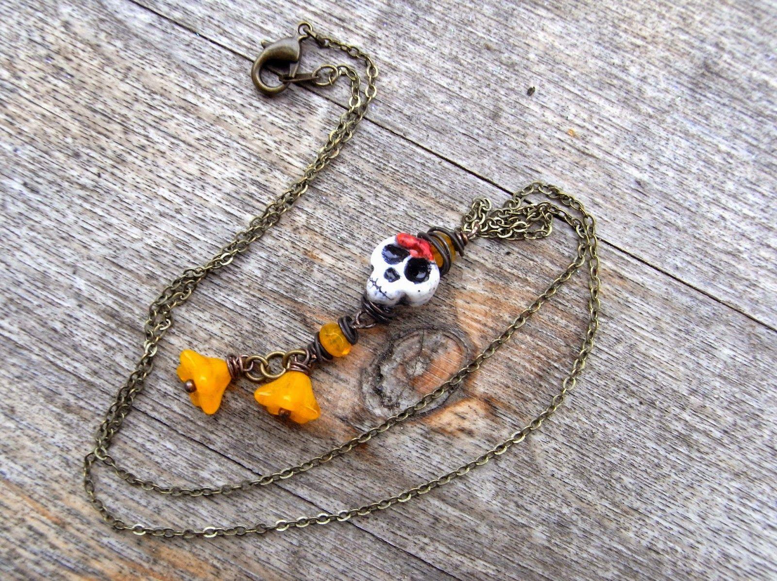 "saraccino: ""Dia de muertos"" - necklace"