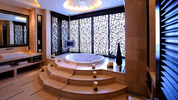 The luxurious pyramid raffles dubai hotel dubai houses for Bathroom designs dubai