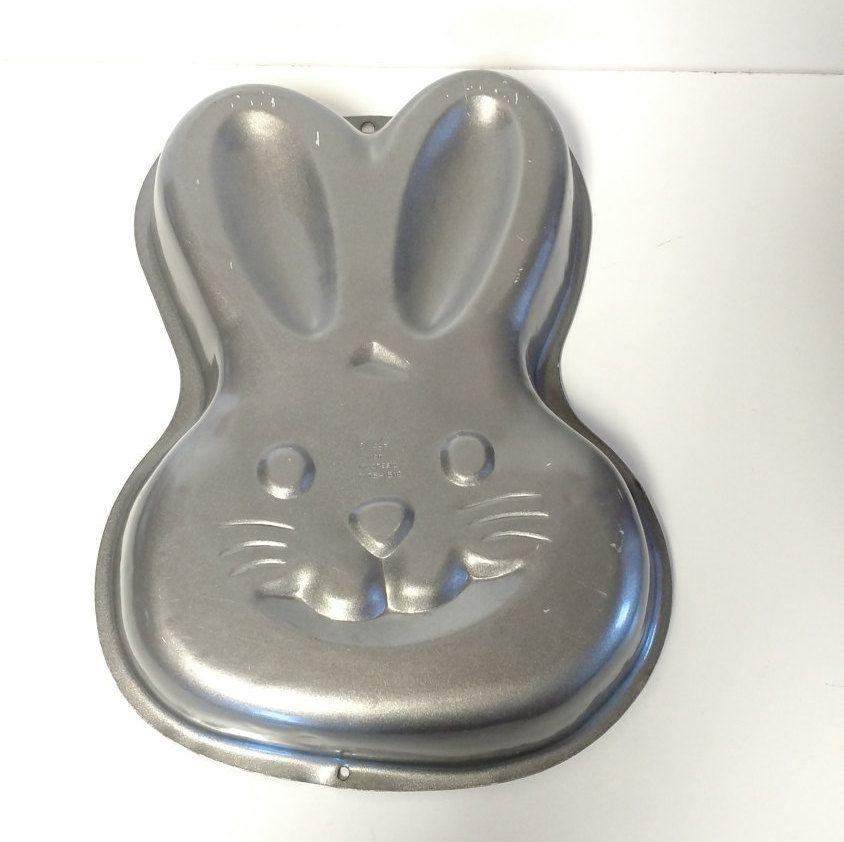 Easter bunny cake pan wilton by vintagebyrobin on etsy