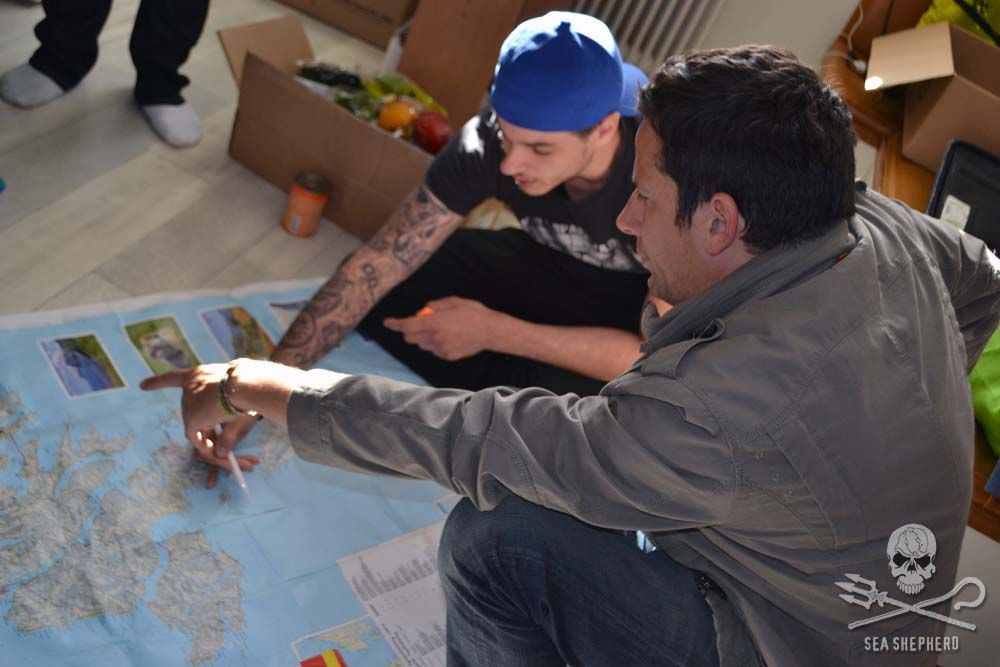 Ross McCall reviews strategy with the Operation Sleppid Grindini land team.