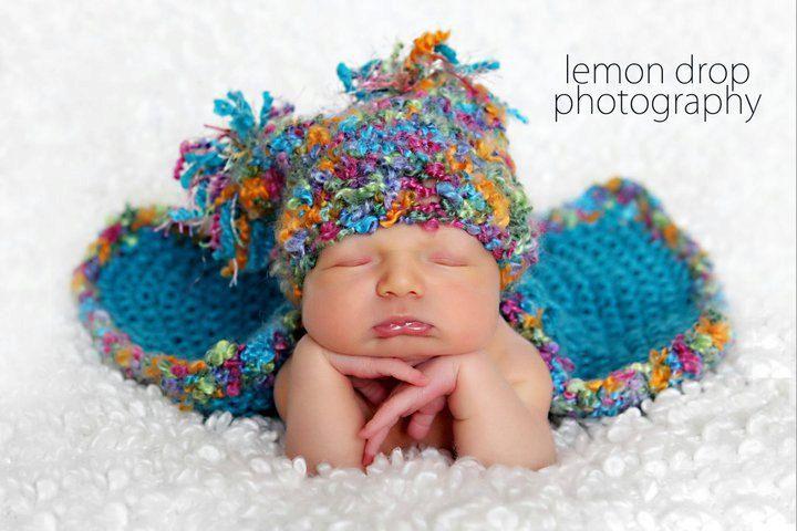 165ed2cb3c9 Baby Blanket and Hat with Fringe Pom Poms 2
