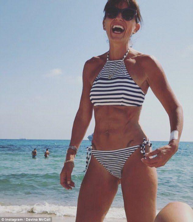 danielle-peeler-bikini-schlichte-muschis