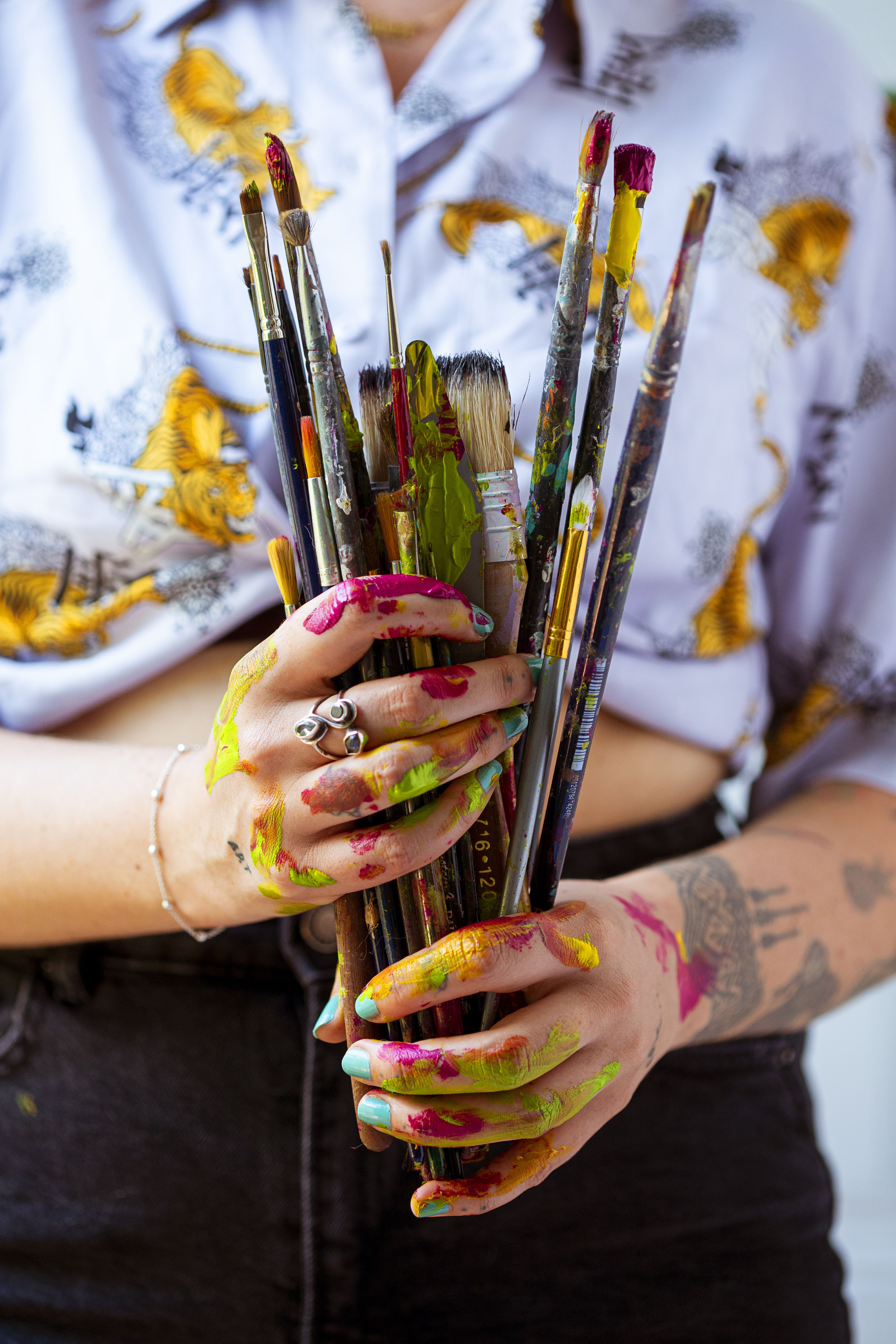 Doesnt everyone get this messy after a long day in the studio ?? #artstudio #painter #paintbrushes #femaleartist #acrylicpaints #mixedmedia #studiolife #art #artist #inspo #paint #colourpalette #colours #colors