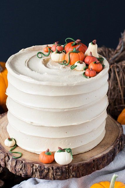 Photo of 31 Fall Cake Recipes That Will Make You Look Forward to Apples, Pumpkins and Spice