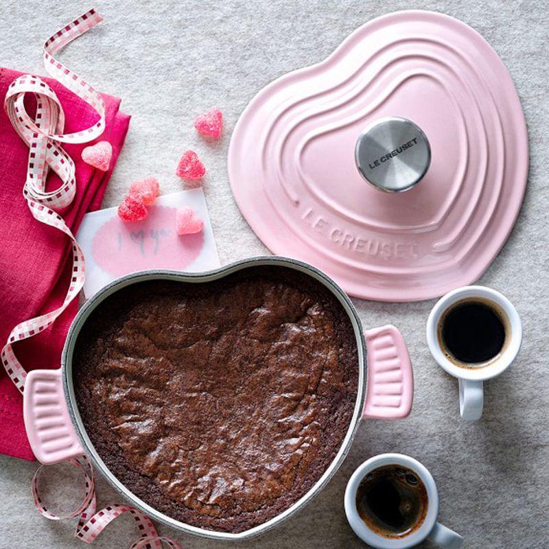 Le Creuset Cast-Iron Heart-Shaped Dutch Oven | The Kitchen Sink ...