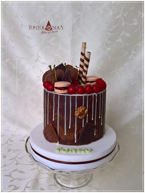 Drip cake by Tortolandia