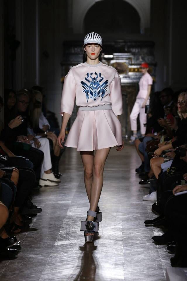 Why Are Runway Clothes So Weird: Pin By Larry Stapleton On Couture 1900 - 2019