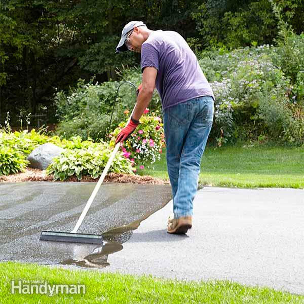 How to Seal an Asphalt Driveway #familyhandymanstuff