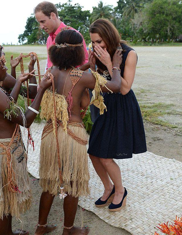Topless women polynesia pics