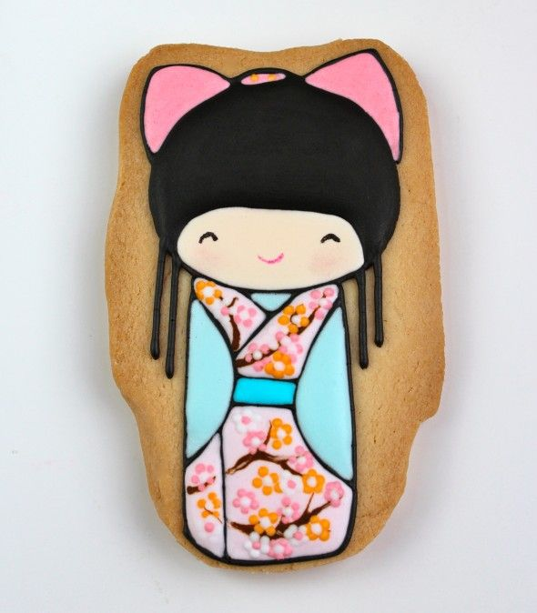 Kokeshi cookies: too cute to eat ^_^  cookie art by Sweetopia, design by Annelore Parot
