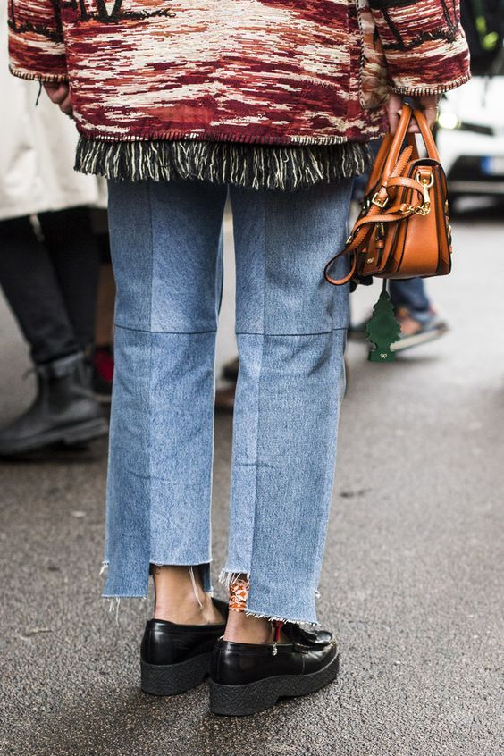 JEANS, DENIM, STREET STYLE, FRAYED DENIM, ASYMMETRIC CROP