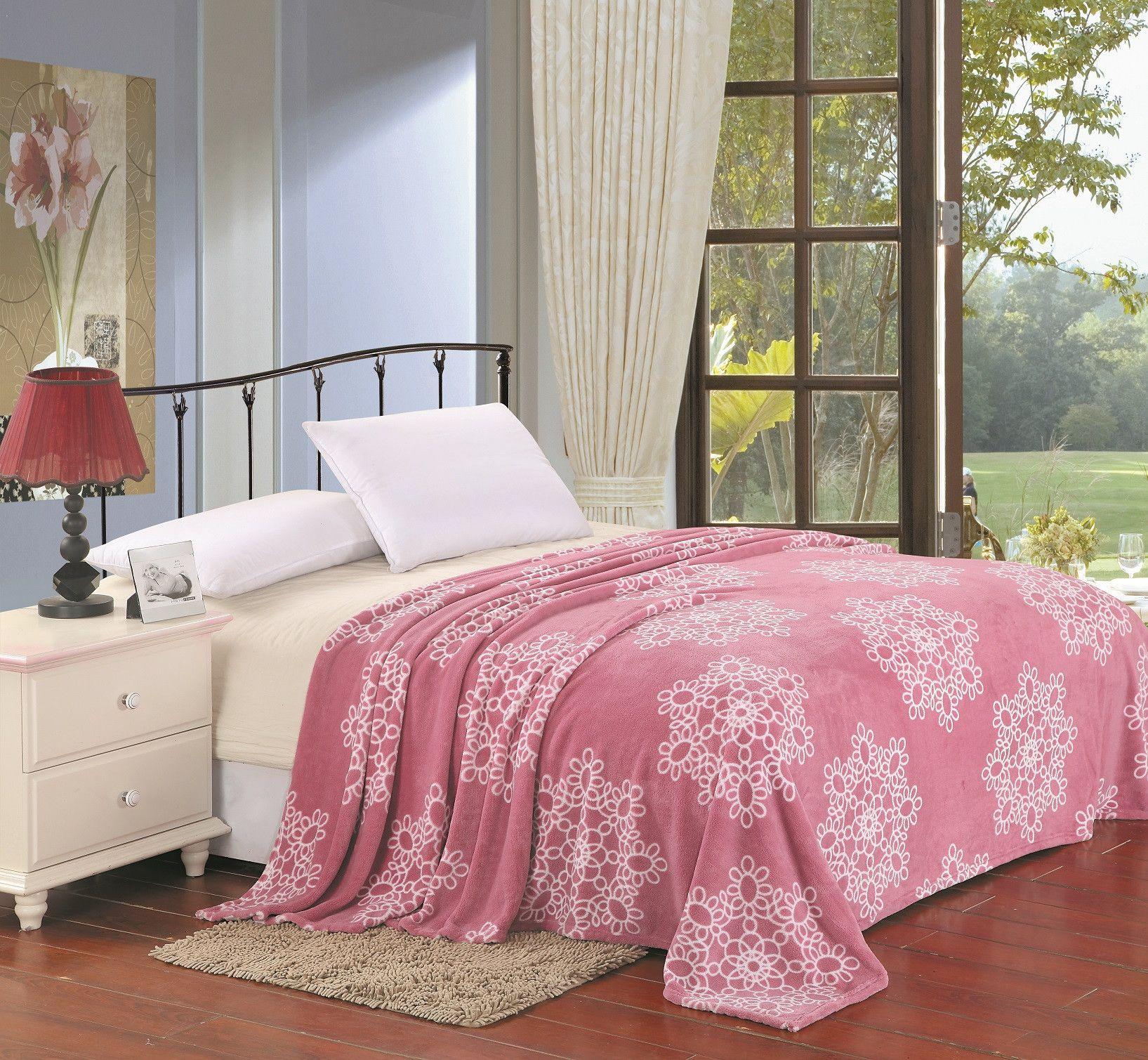 Ultra Plush Snowflake Design Queen Size Microplush Blanket - Pink