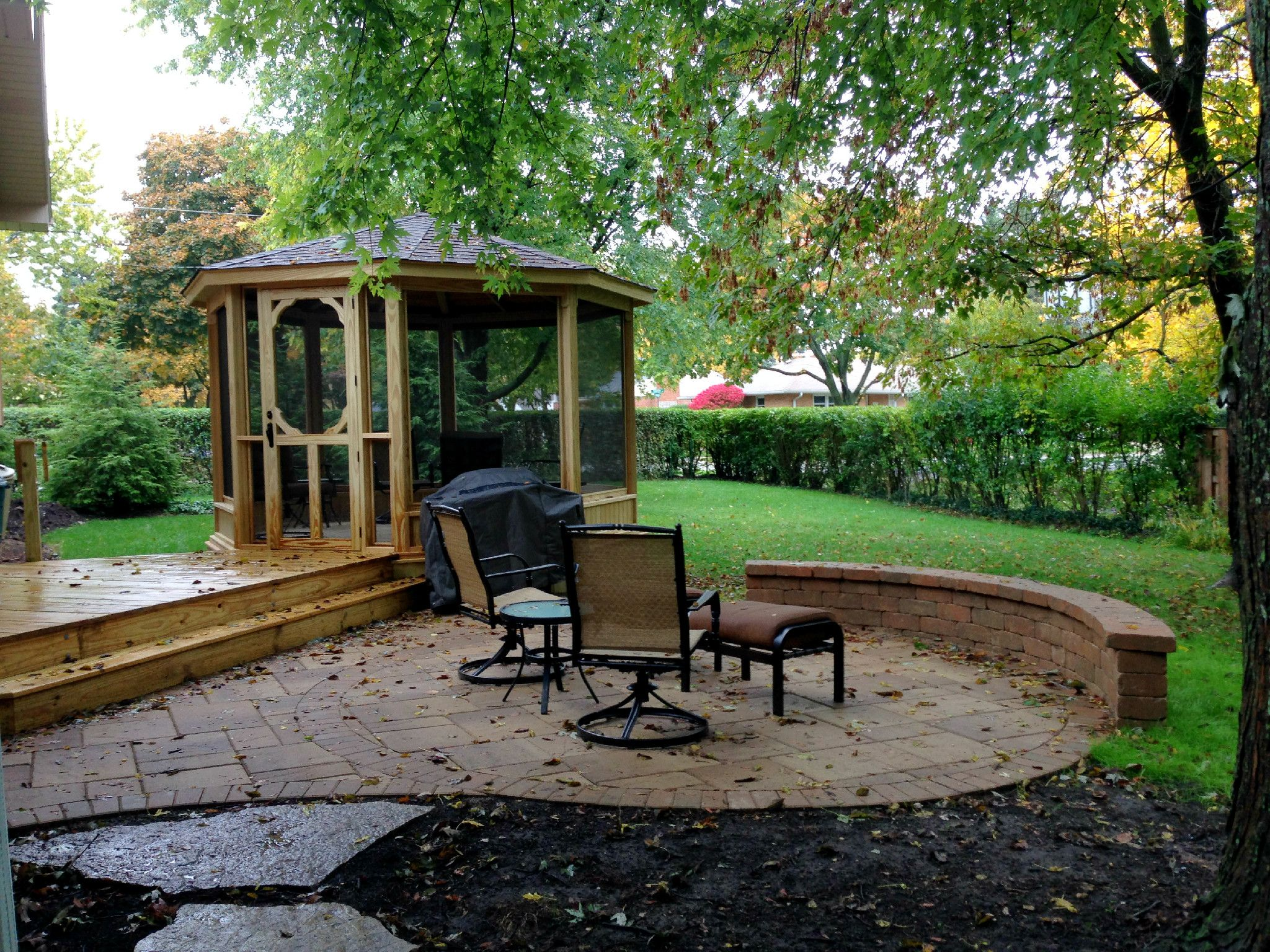 Screened Gazebo, Deck, And Patio With Seat Wall In Arlington Heights IL    Archadeck Outdoor Living