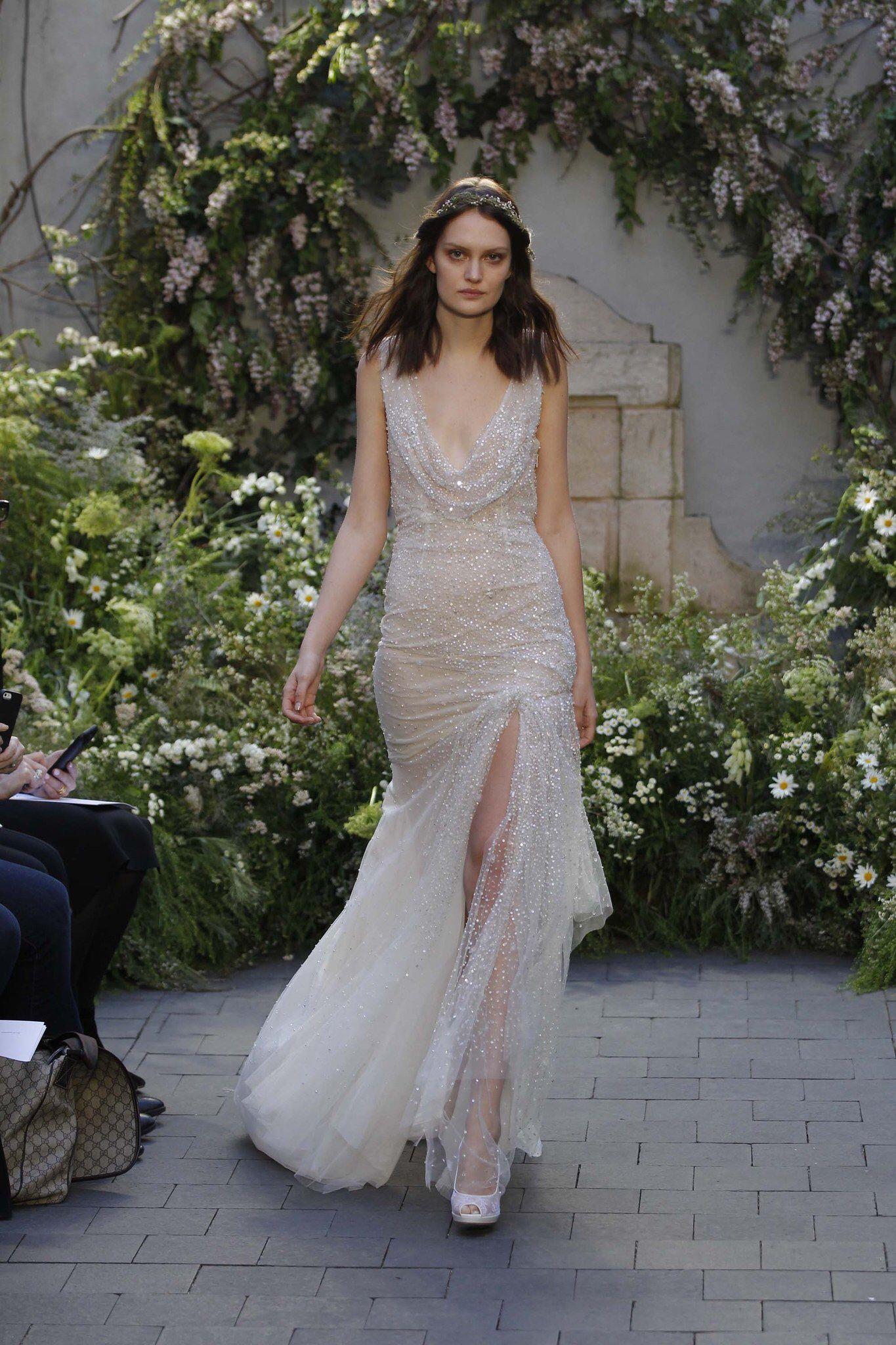 Monique Lhuillier Bridal Spring 2017 Fashion Show   Monique ...