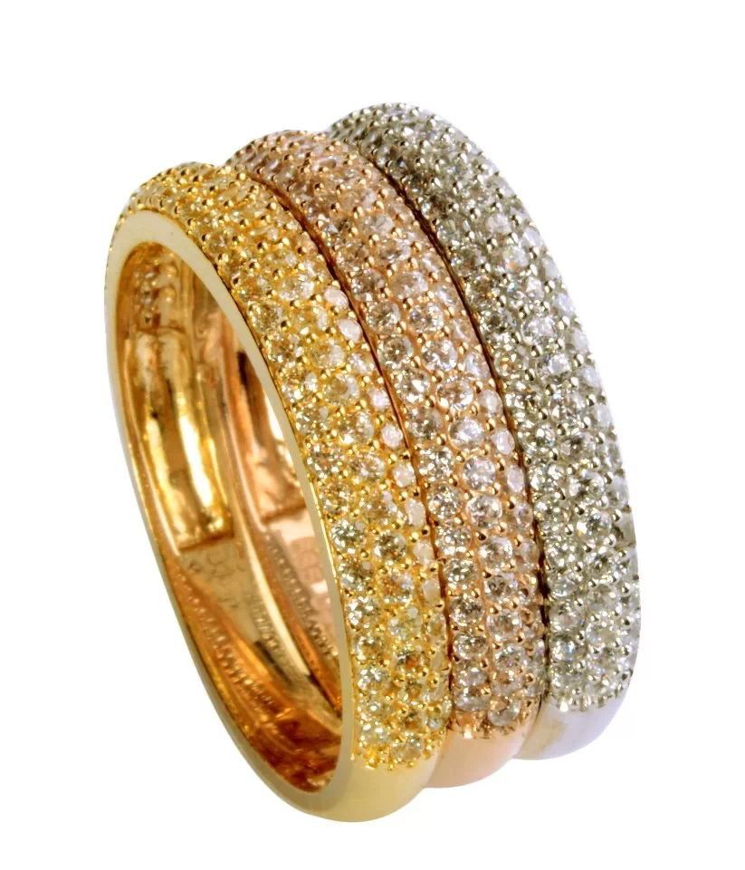 White pink and yellow gold weddinv ring set with the same colour diamonds.
