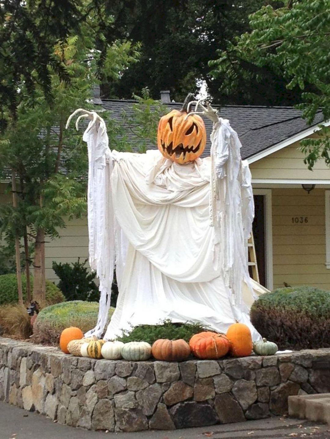 Alles Voor Halloween.Pin By Olena Iermolenko On Alles Voor In De Tuin Halloween Garden Halloween Outdoor Decorations Halloween Outside