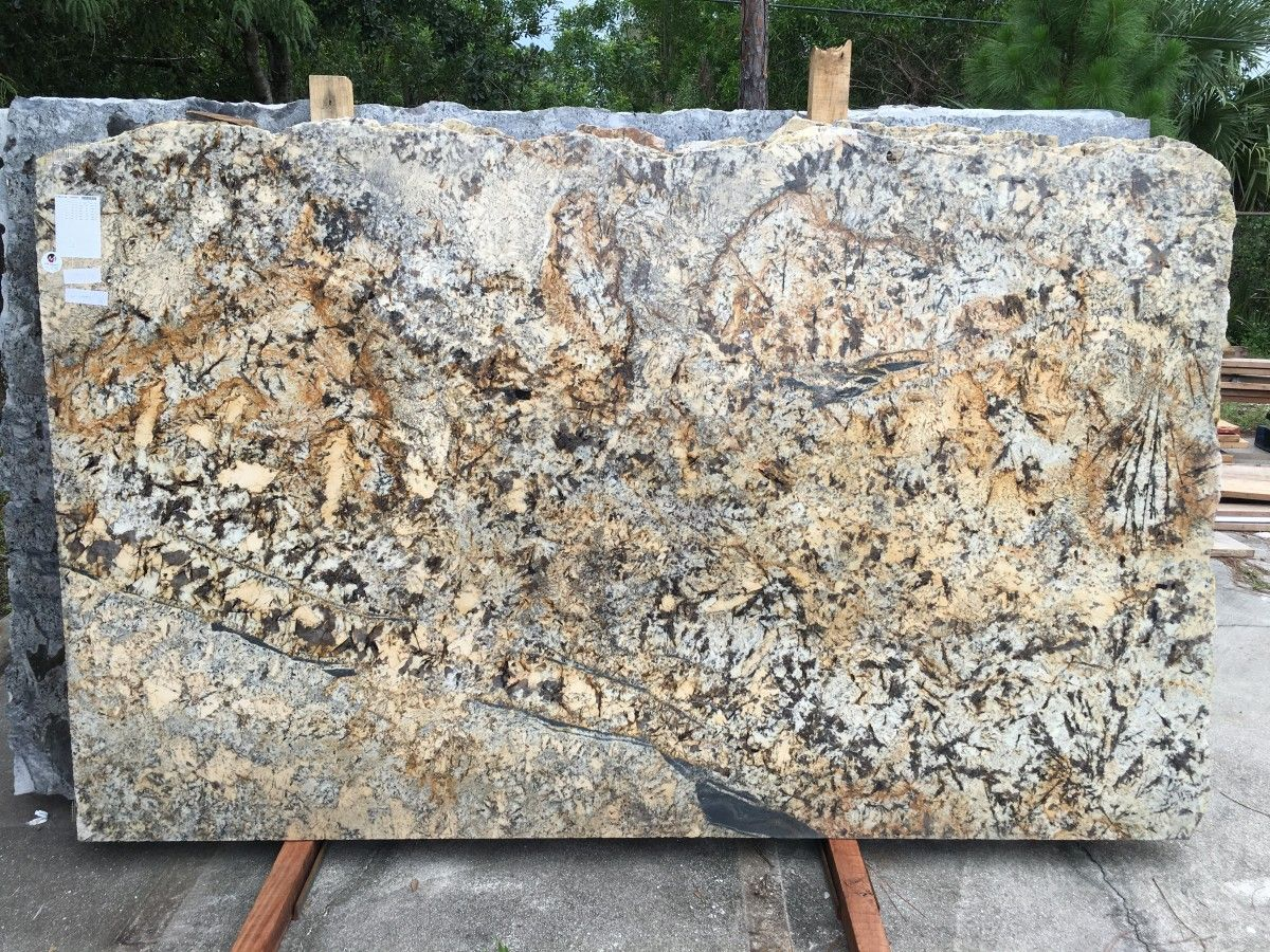 Mascarello Granite Is A Warm And Rich Natural Combination Of Beiges Taupes And Chocolates With High Limestone Countertops Granite Colors Granite Countertops