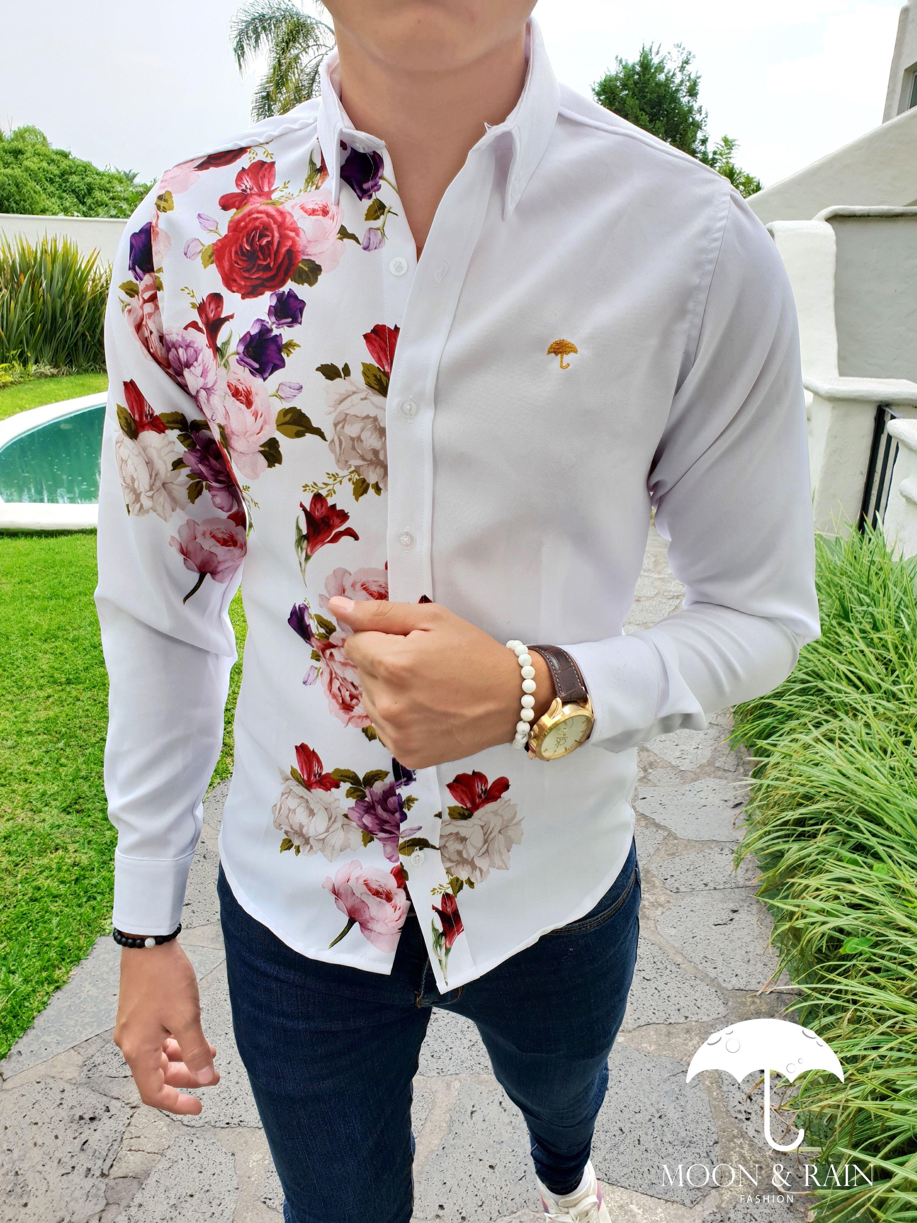 6239765db7b Outfit para hombre  camisa slim fit deluxe blanca flores rosas ...