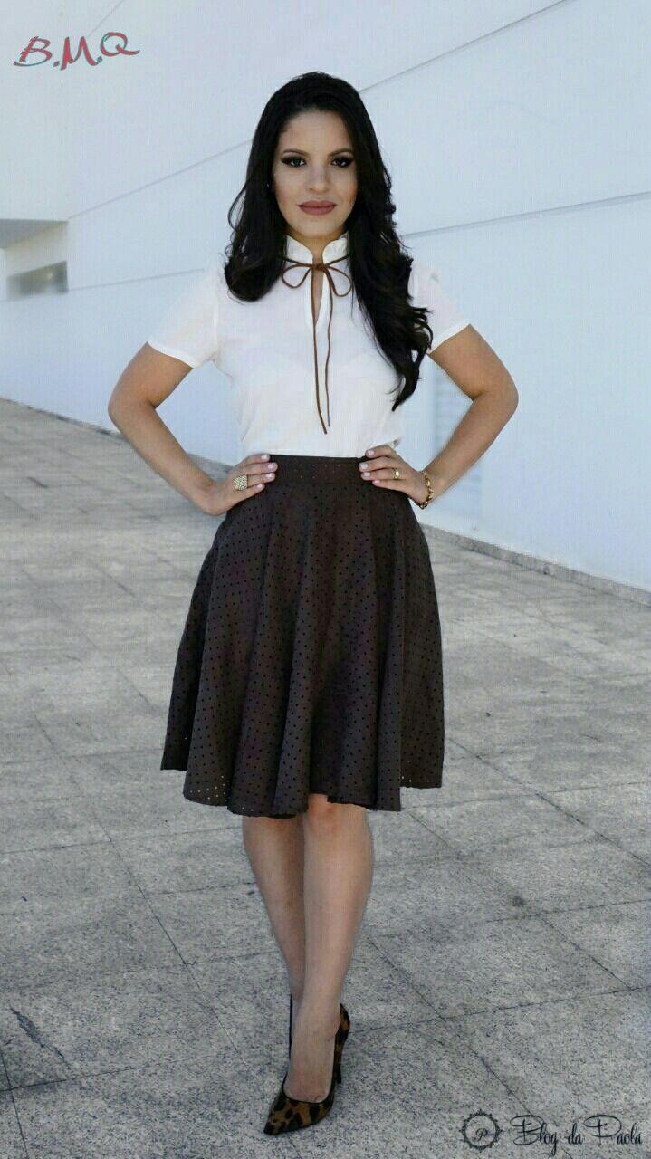 3bce248d2 Blog da Paola  Look do Dia  Saia Midi Camurça e Blusa Branca