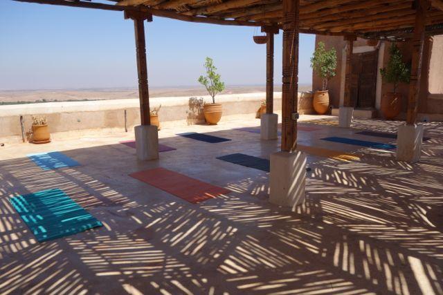 Yoga og Meditationsretreat i Marokko | 13. - 20. februar eller 20. - 27. februar 2016 - Oplev en uge i magiske Marokko med yoga, fordybelse, stilhed, indre fred og ro. En uge med yoga, meditation, massage og forkælelse i hammam spa, åndedrætsøvelser, mindfulness, lækker mad, afslapning ved poolen og vandreturer i Atlasbjergene.
