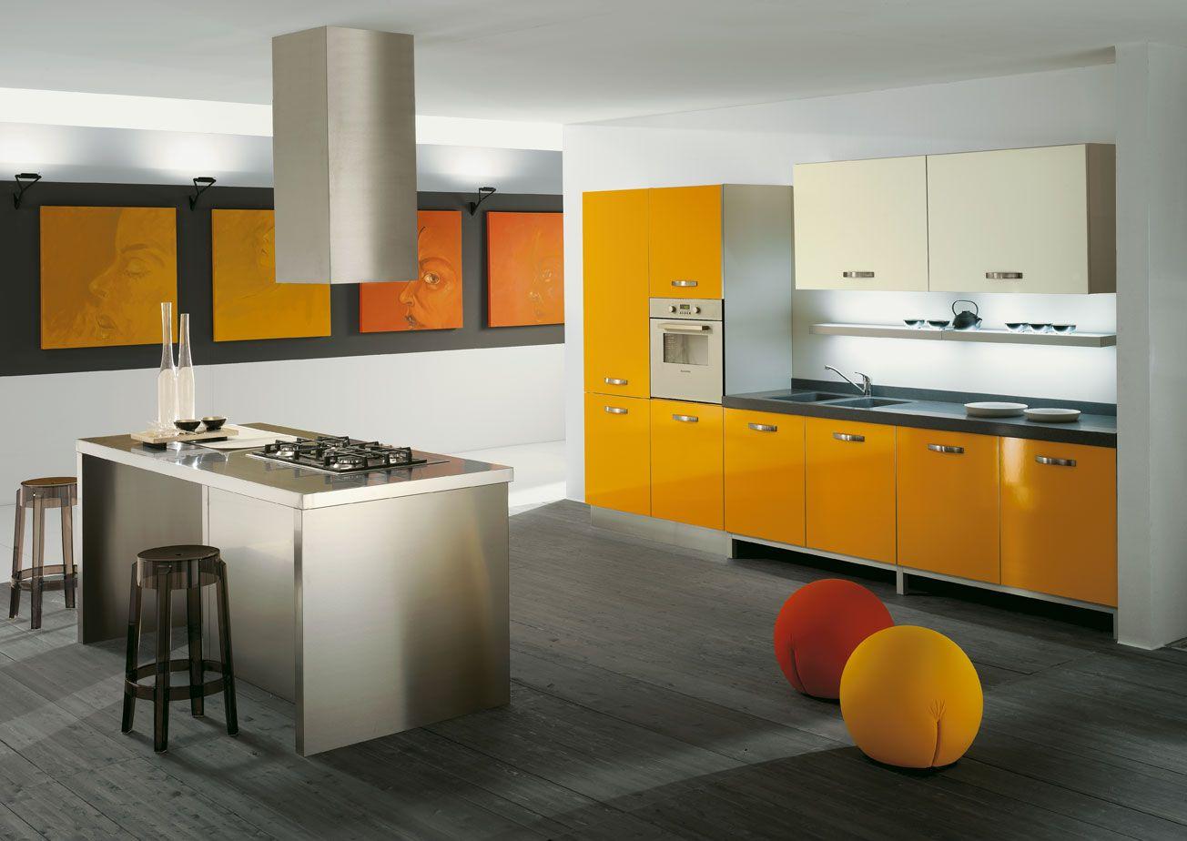 Mobili Da Cucina Arancione.Cucina Mix Arredamento Arancione Arancio Colore In