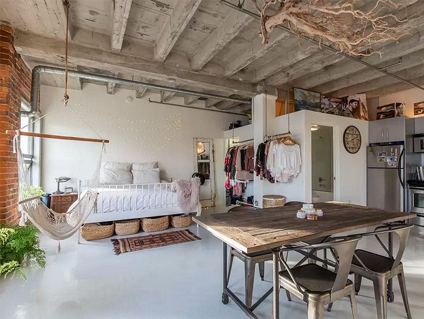 7 Stunning Airbnb Rentals You Can Book Right Now For A Memorial Day Staycation Los Angeles Magazine Loft Apartment Decorating Loft Living Small Loft Apartments