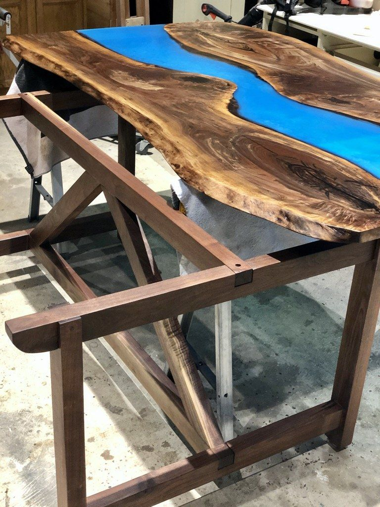 how to fasten table top to base