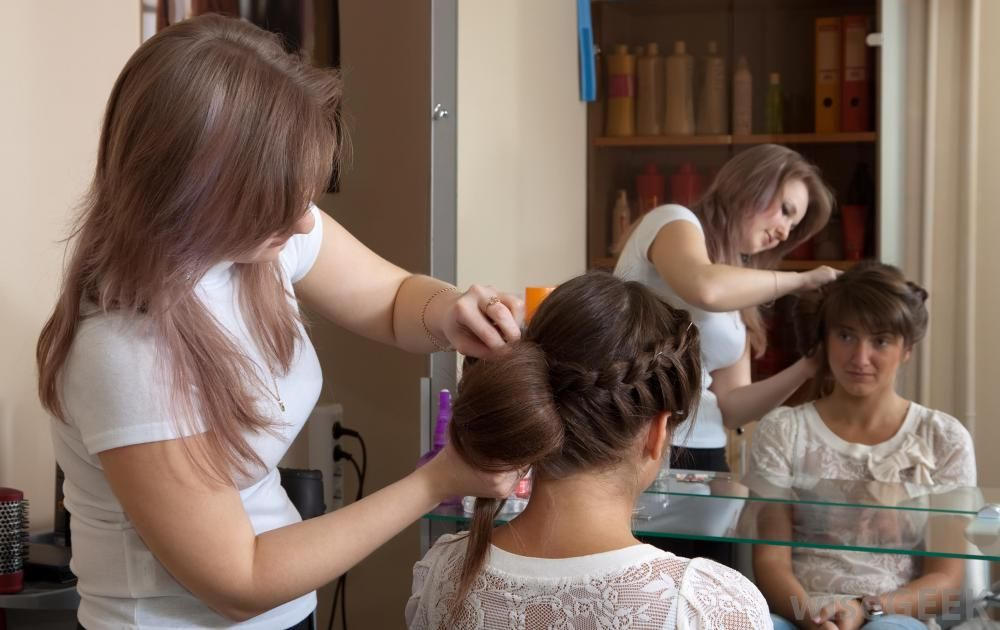 Expert Female Beautician Required For Our Beauty Polar In Abad La Local Ads Free Clifieds And Job Stan