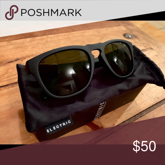 2ad63e7509 Electric Eyewear Leadfoot Matte Black sunglasses Great matte black  sunglasses! Slightly rounded wayfarer shape.